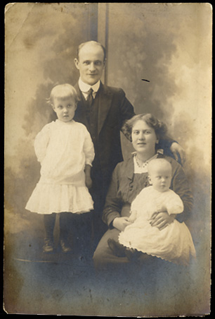 Linda Morgan ,OR (real antique photos),vintage family