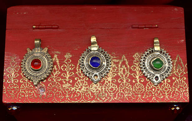 Sylvia Mahony CA, decorated wooden Indian box, back