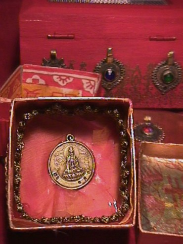 Sylvia Mahony CA, decorated Indian boxes