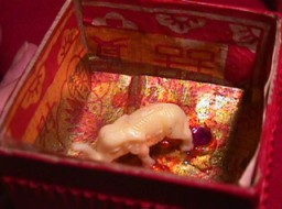 Sylvia Mahony CA, decorated papier mach� Indian box, inside