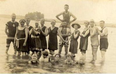 Vintage Image, 1920's beach