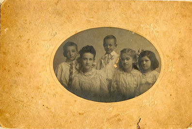 Victorian Children Leslie Serpas