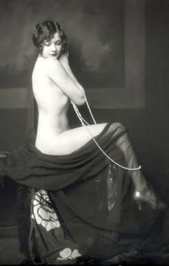 Vintage photo of lady/sent by Eliza B